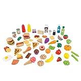 KidKraft 63510 Surtido de comida de juguete con 65 piezas de alimentos, juego de imitación para niños con accesorios incluidos